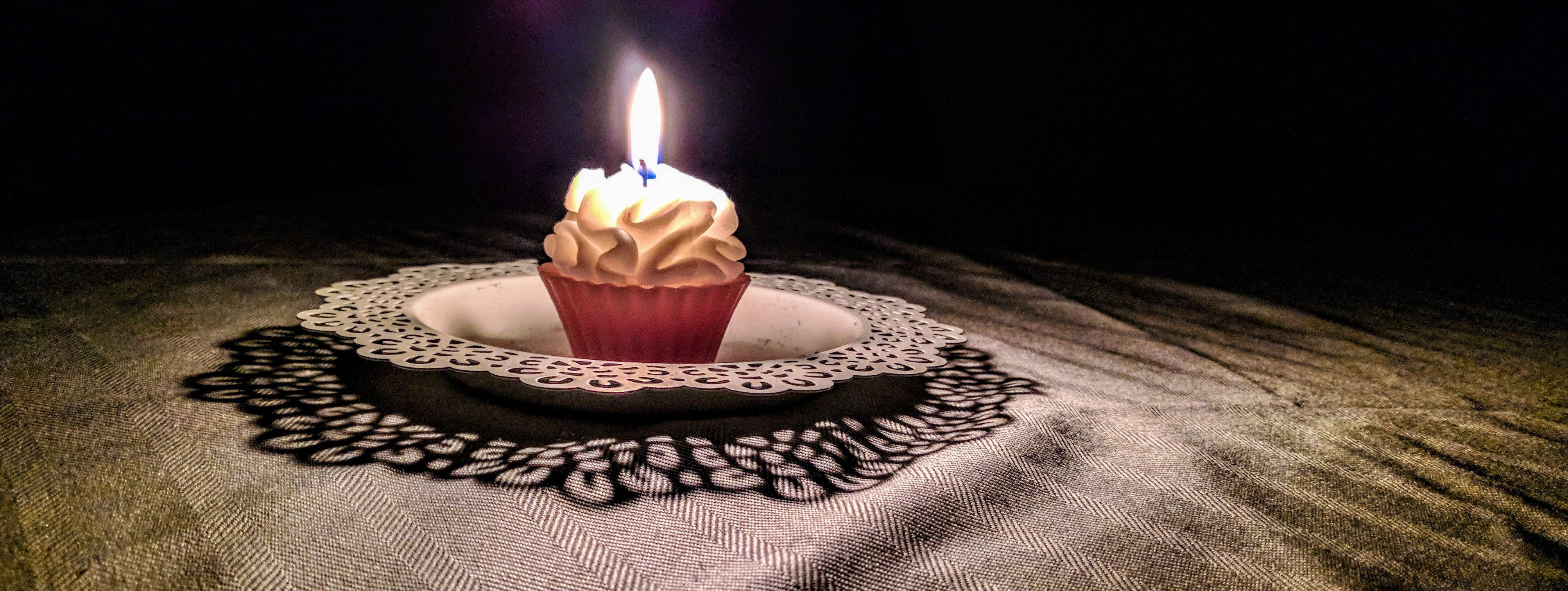 Cupcake candle`